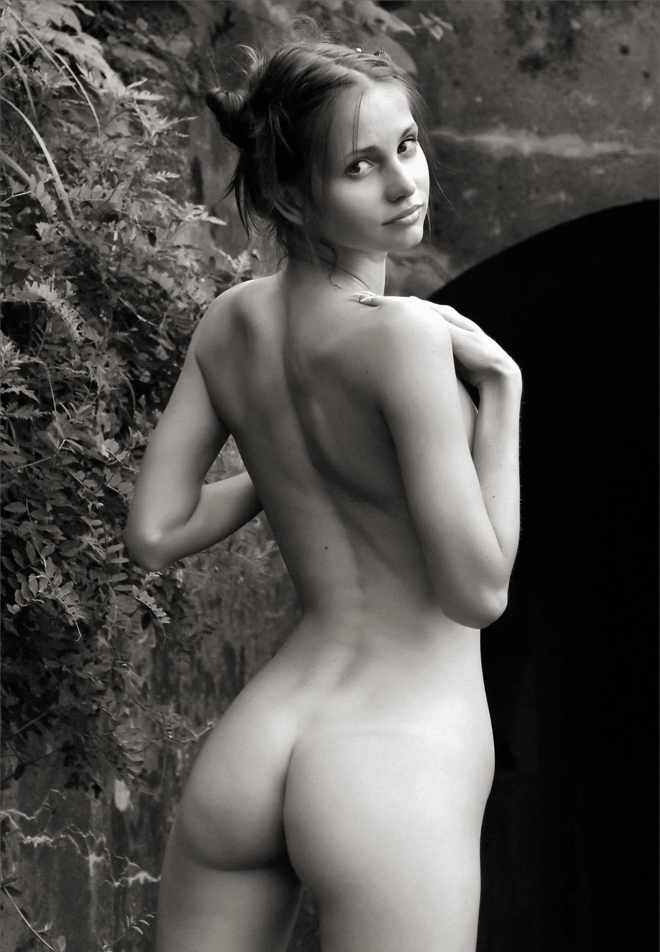 Тонкая красивая голая талия 6 фотография